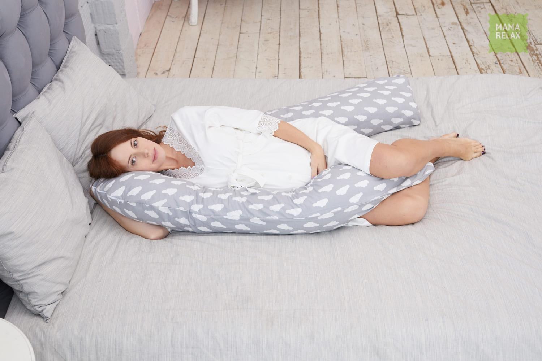 Подушка  для беременных U340 облака на сером